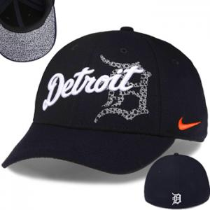 Nike MLB Tigers  Dri-FIT Graphic Swoosh Flex Stretch Fit Cap