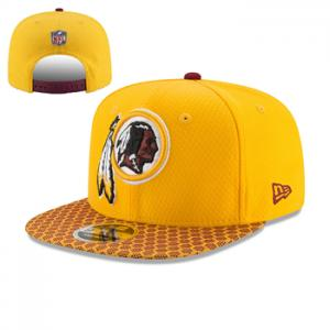 New Era NFL Washington Redskins 2017 Sideline OF 9FIFTY Gold Snapback